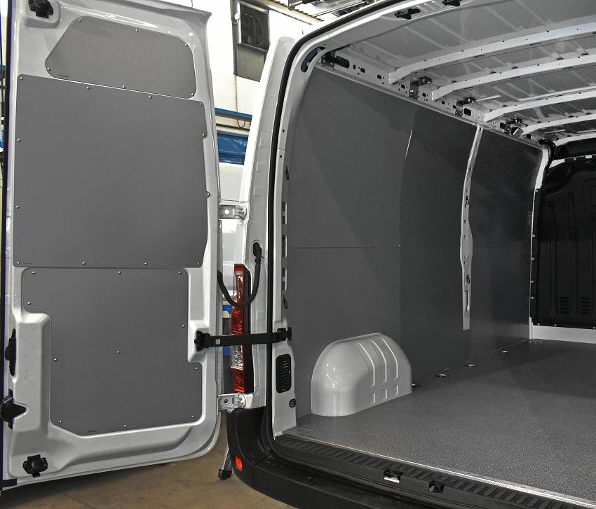 Come trasformare Opel Movano in officina mobile con elementi Syncro a ...