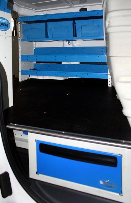 Arredamento per furgoni a torino da syncro for Arredamento per negozi torino